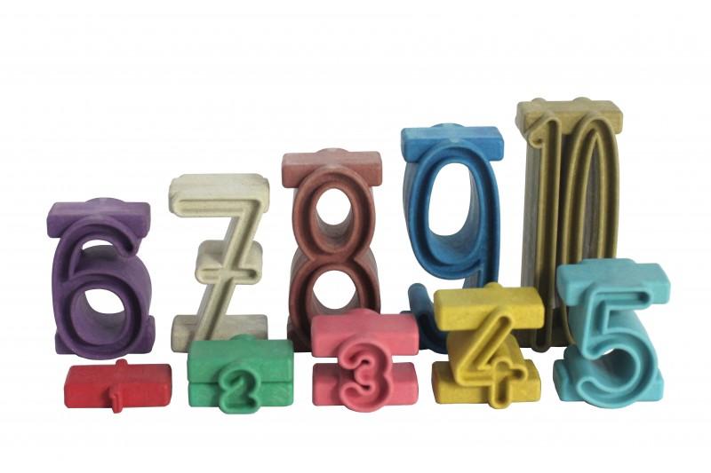 Stapelzahlen in Montessori-Farben