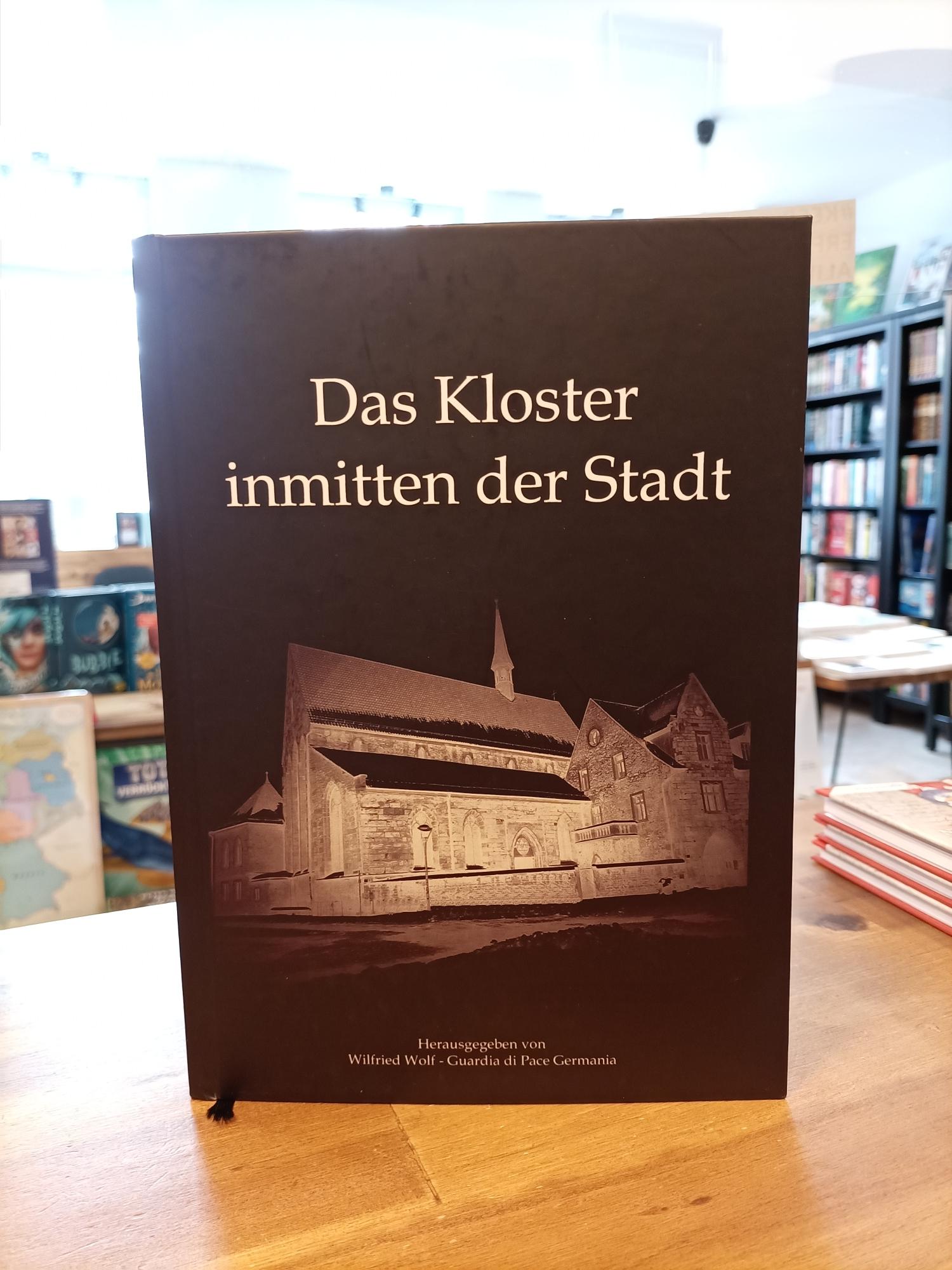 Das Kloster inmitten der Stadt - Cover