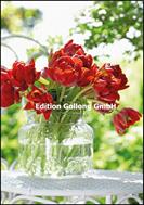 Roter Tulpenstrauß in Glasvase