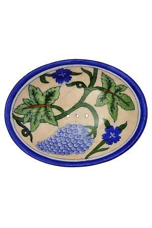 Weinrebe, Trauben und Kornblumen